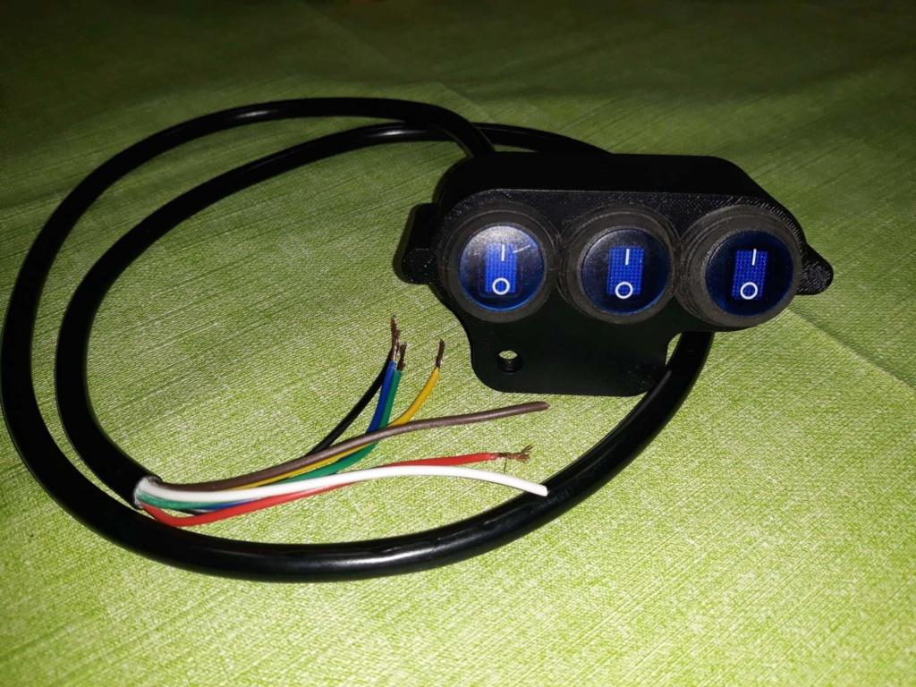 Boitier 3 interrupteurs lumineux pour 1300st  Receiv10