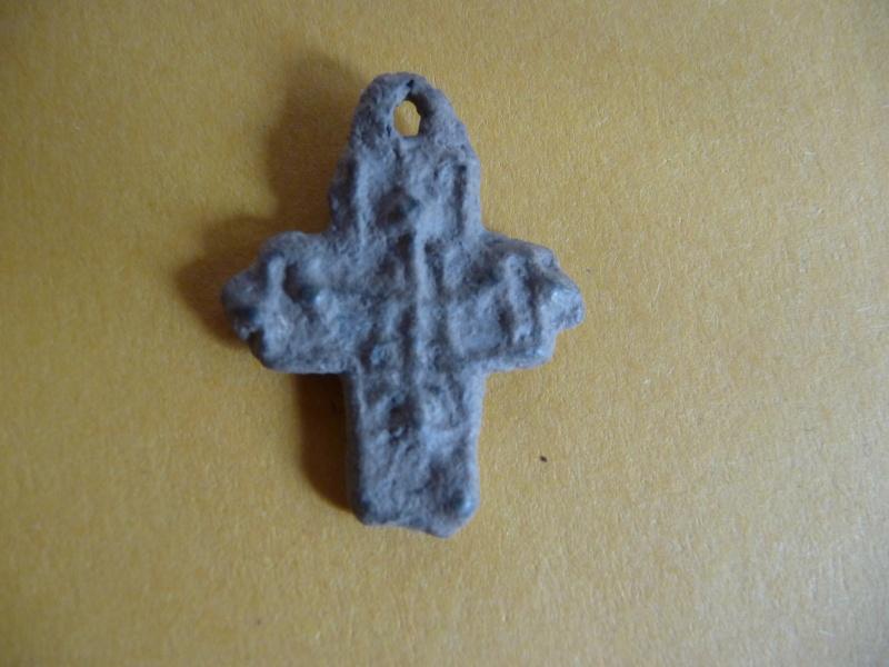Petite croix en plomb - XVI / XVIIème Croix_24