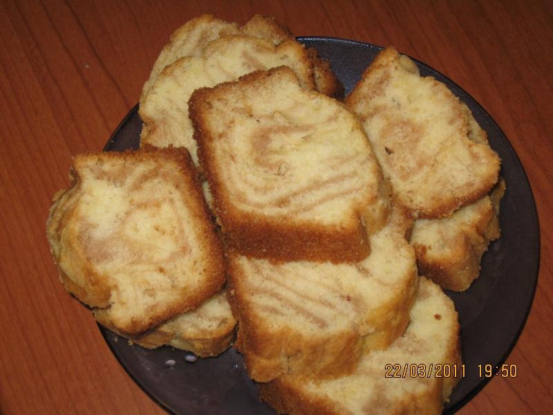 Retete de prajituri, cornuri, tarte - Pagina 6 Pictur35