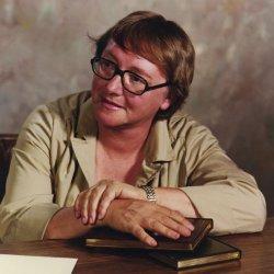 Rejoignez Marion Zimmer Bradley à Avalon ! Marion10