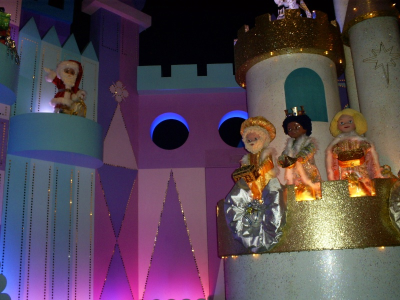 It's a small world - Page 6 Disney12