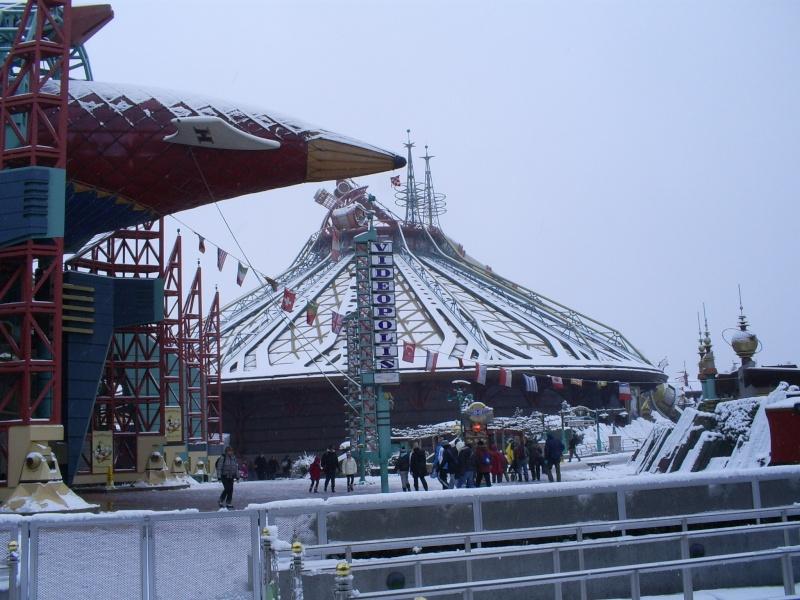 attraction sous la neige  - Page 3 Disney23