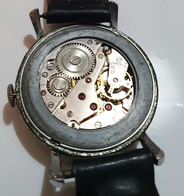 Mido -  [Postez ICI les demandes d'IDENTIFICATION et RENSEIGNEMENTS de vos montres] - Page 34 Royce_16