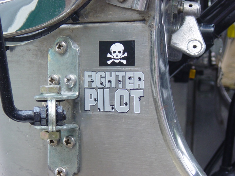 upgrade Flat fender M201 inox - Page 2 Dsc05311
