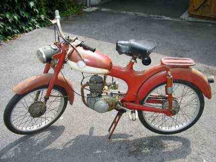 Trailer y ciclomotor robado Pegaso10