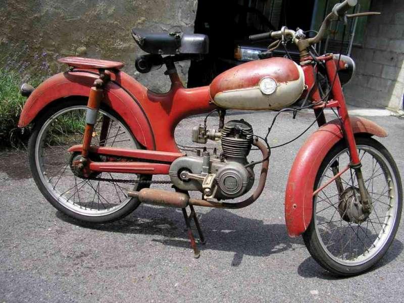 Trailer y ciclomotor robado Pegaso11