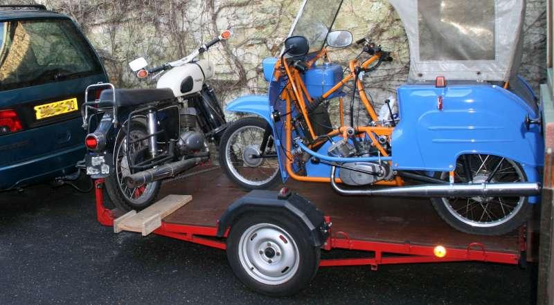 Trailer y ciclomotor robado Remorq10