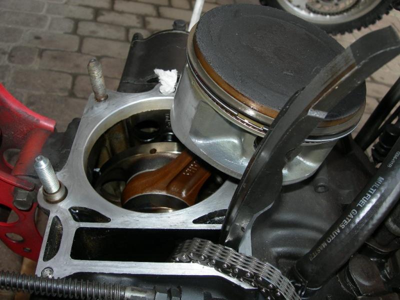 Pistone nuovo-prova e misura consumo olio  Dscn5811