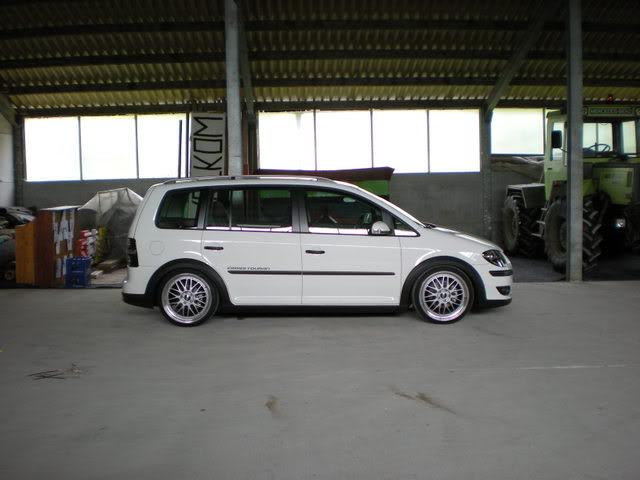[ VW ] TOURAN Alicht10