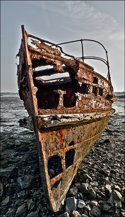 Boat of the living dead. Quelme10