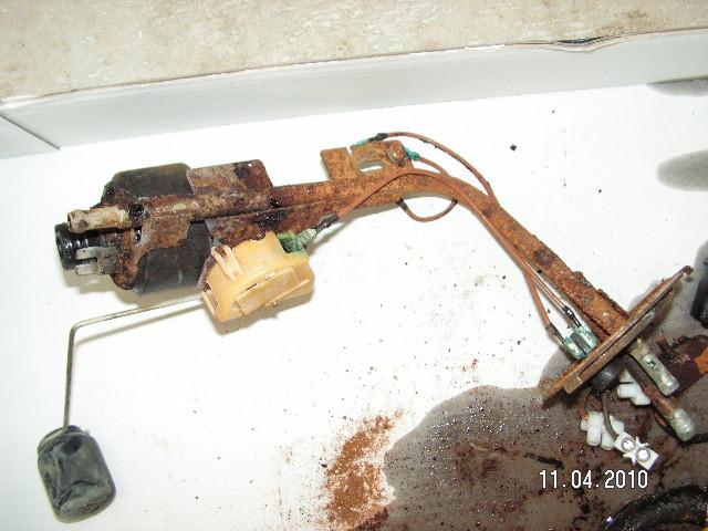 help pompe a essence Pict0029