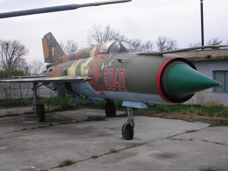 Aeronave expuse in tara P4090014