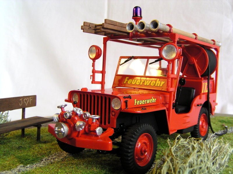 Fire Jeep Italeri 1:24 08210
