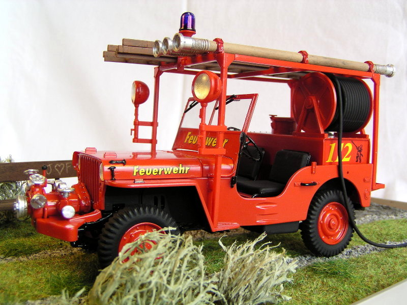 Fire Jeep Italeri 1:24 08310