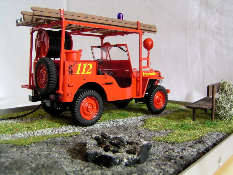 Fire Jeep Italeri 1:24 08410