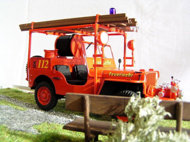 Fire Jeep Italeri 1:24 08510