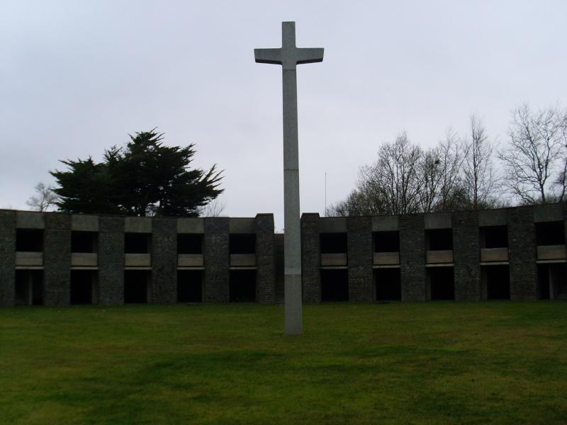 Cimetière Militaire Allemand du Mont de Huisnes (50) Week_e17