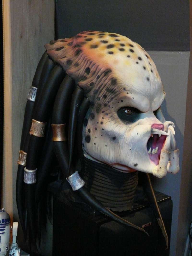 predator latex mask life size P1020911