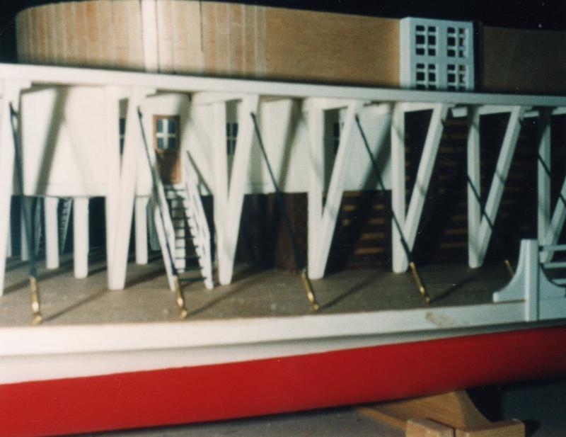 Seitenraddampfer ROBT.E.LEE 1:75 aus Holz 0712