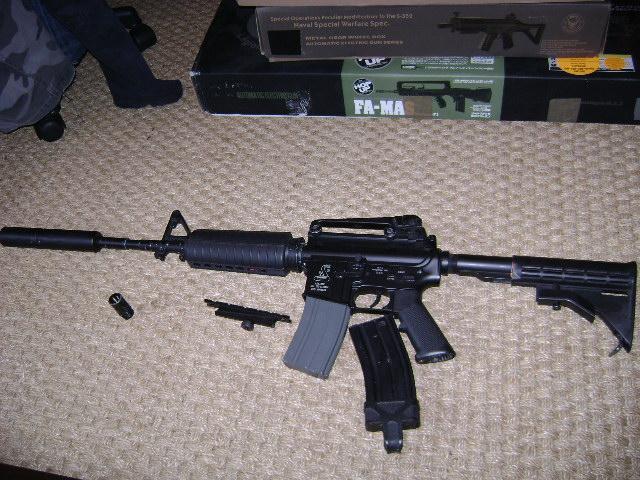 M4 Dboy légèrement modifié en interne. Dsc03429