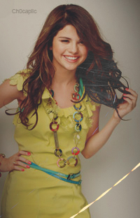 Crystal M. Renolds feat Selena G. ♥ Mm9yll10