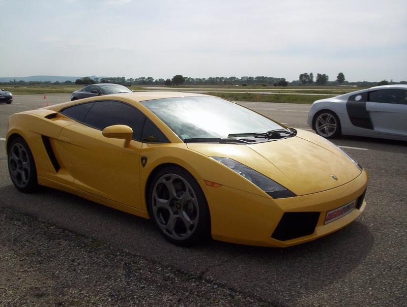 quelques belles auto un tout petit peu sportive 100_3115
