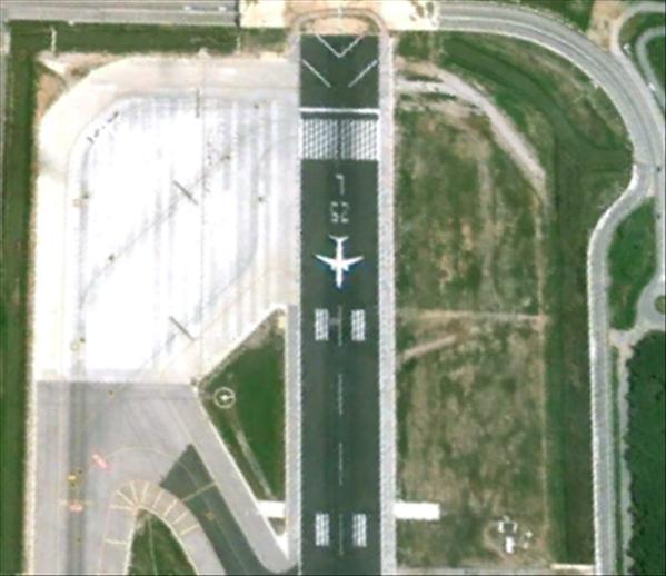 Les avions en phase d'atterrissage aperçus sur Google Earth Avionb10