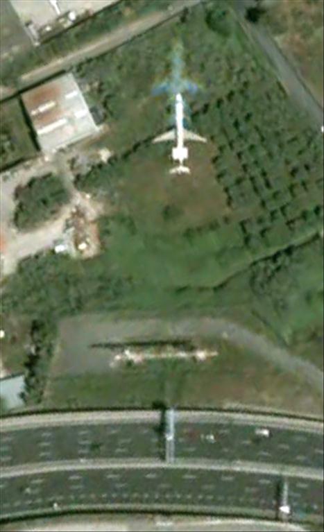 Les avions en phase d'atterrissage aperçus sur Google Earth Avionl13