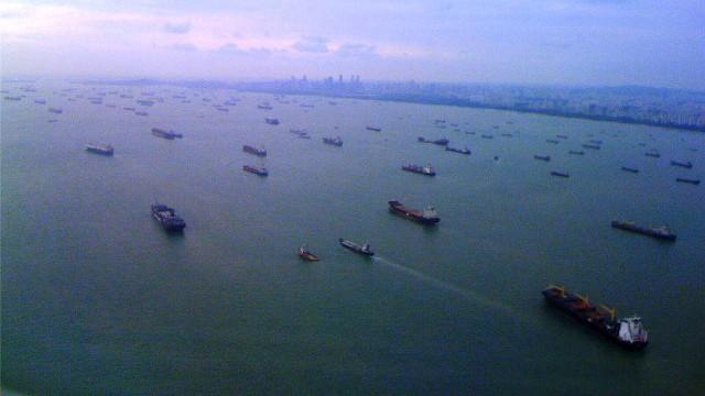 VLM... 1421 - L'armada oubliée - Page 2 Singap10