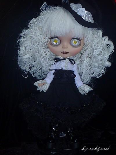 Bly [punkaholic custom] P1110810