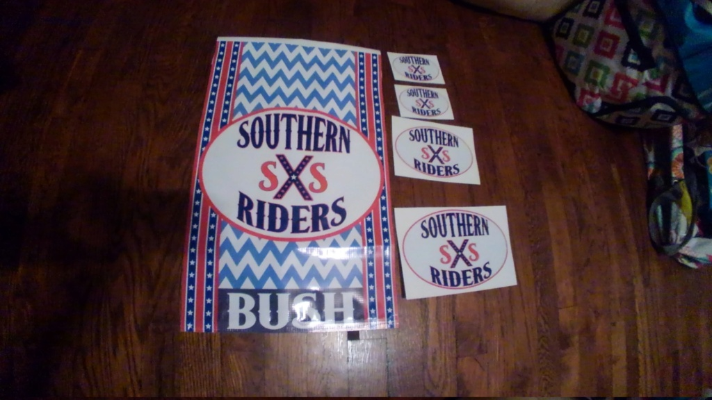 Stickers and flags. Kimg0210