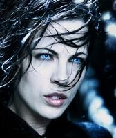 ~ Laenia Velvet ~ (Vampire, Alchimiste)  A prendre Vampir10