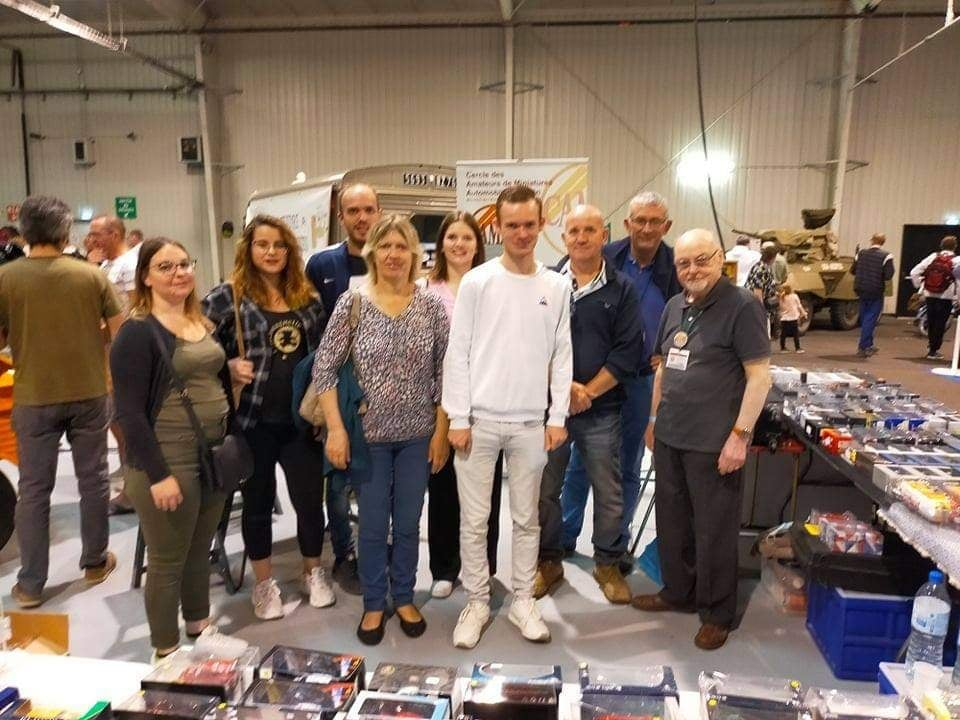 Bourse AUTO MOTO RETRO ROUEN - Page 2 Rouen211