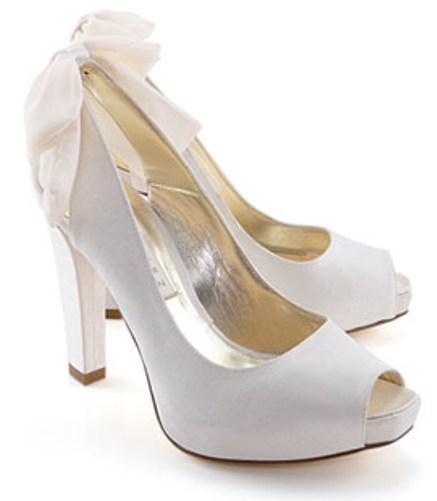 Këpucët e nuses! 1611