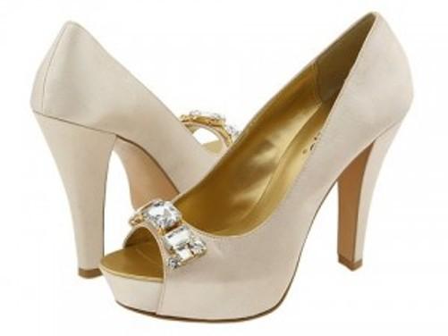 Këpucët e nuses! 1711