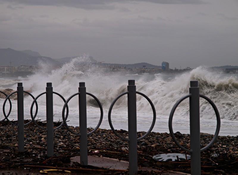Un nouveau coup de mer sur la côte d'azur P3130511