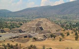 LA CIVILISATION AZTEQUES Pyrami11