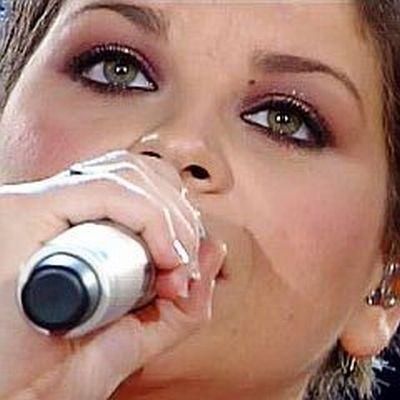 """Alessandra Amoroso """"Il mondo in un secondo"""" - 20 dicembre 2010 Alessa10"""