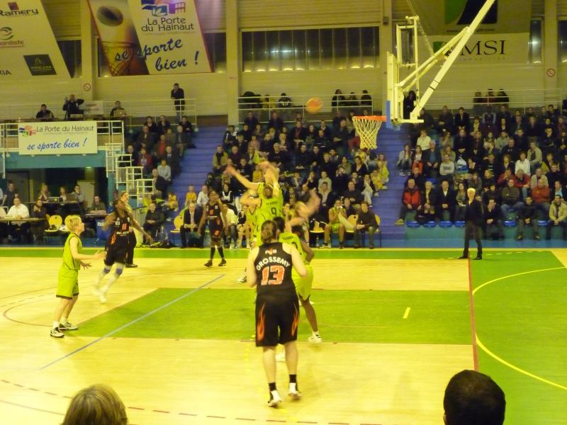 Invitation de l'union Hainaut pour leur match de championnat P1020020