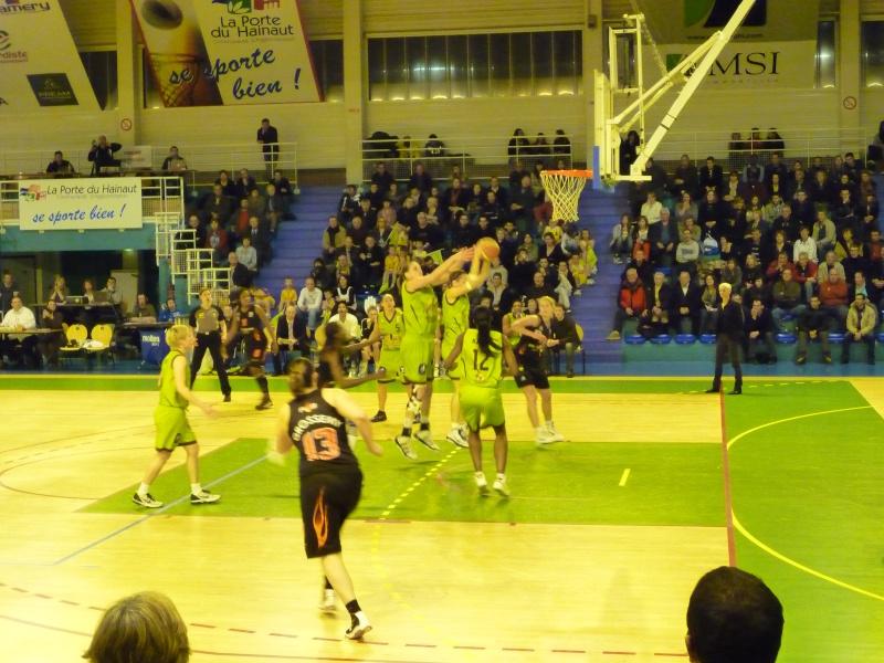 Invitation de l'union Hainaut pour leur match de championnat P1020021