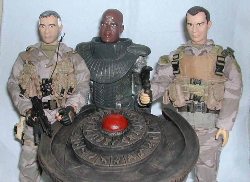 Stargate équipe SG1 et autres protagonistes Oneilj10