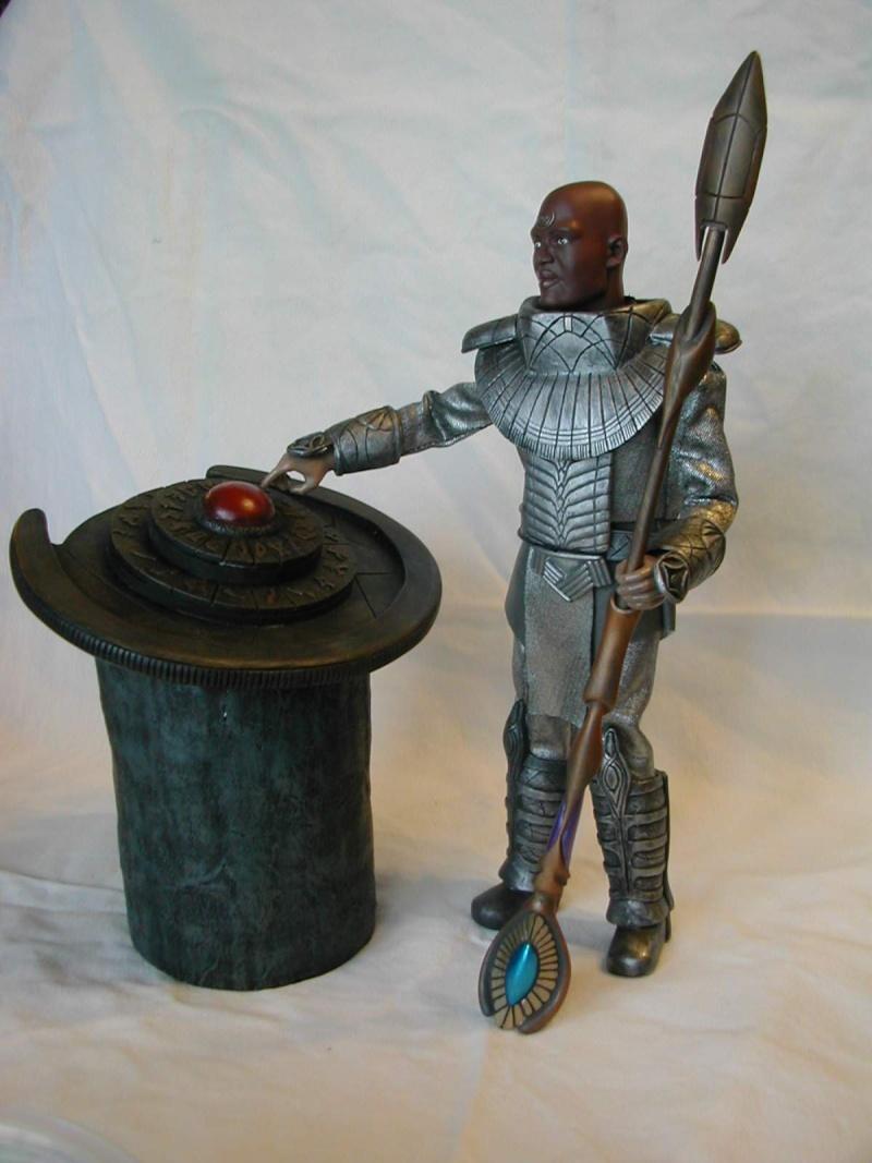 Stargate équipe SG1 et autres protagonistes Tealc110