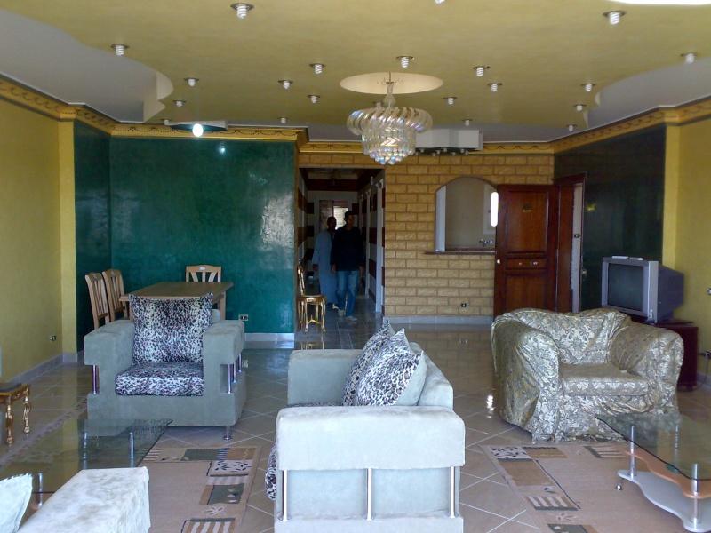شقة سوبررررر لوكس للإيجار مكيفة غرفتين وصالة كبيرة تري البحر وكل المعمورة عمارات الإمن العام - الشاطيء Uuuuu161