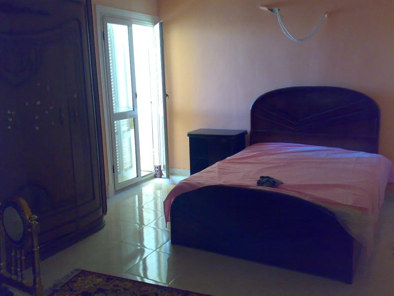 شقة سوبررررر لوكس للإيجار مكيفة غرفتين وصالة كبيرة تري البحر وكل المعمورة عمارات الإمن العام - الشاطيء Uuuuu163