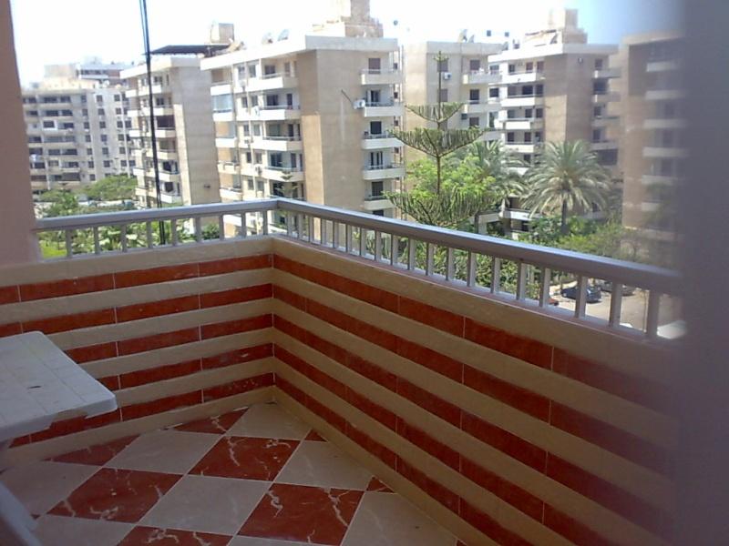 شقة مفروشة سوبرررر مستوي فندقي لإيجار في المجموعة التاسعة- المعمورة الشاطيء Uuuuu225