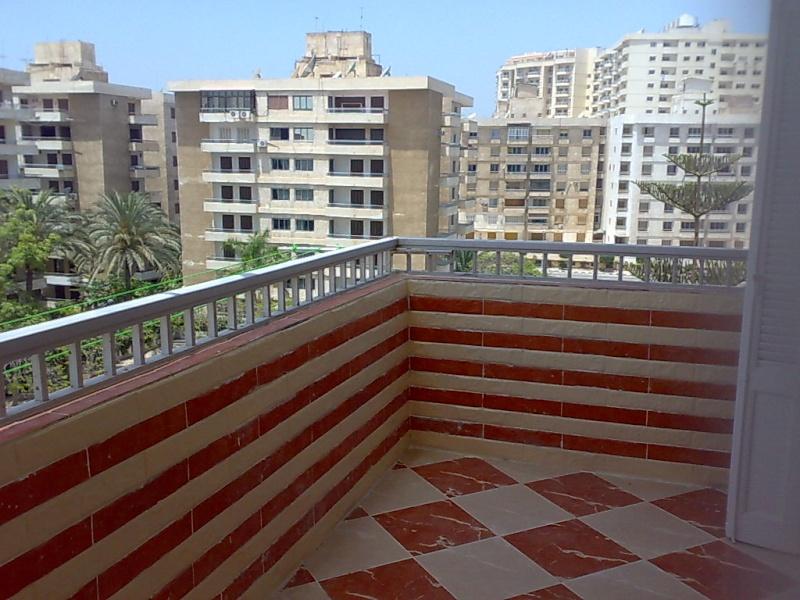 شقة تشطيب سوبر لوكس مستوي فندقي للإيجار ثلاثة غرف وصالة -  المجموعة التاسعة - المعمورة Uuuuu229