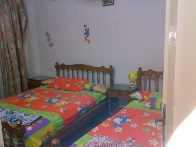 شقة لوكس غرفتين وصالة للإيجار – شارع الشرطة – المعمورة الشاطيء Uuuuu377