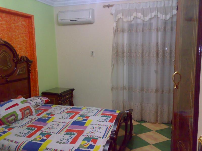 شقة مكيفة مستوي فندقي فاخر سوبرر لوكس ثلاث غرف وصالة للإيجار مفروش - المجموعة العاشرة - المعمورة  Uuuuyu12