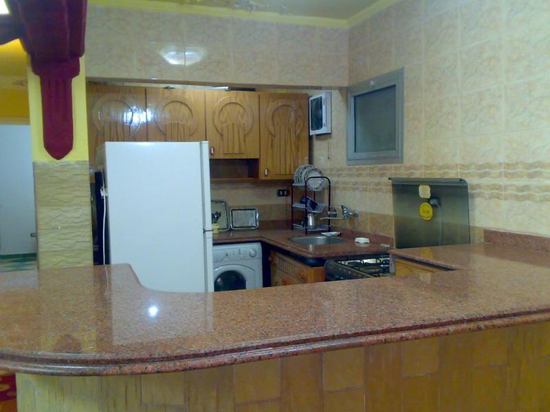 شقة سوبرررر لوكس مكيفة  لأيجار ثلاث غرف وصالة المجموعة العاشرة - المعمورة الشاطيء Uuuuyu15