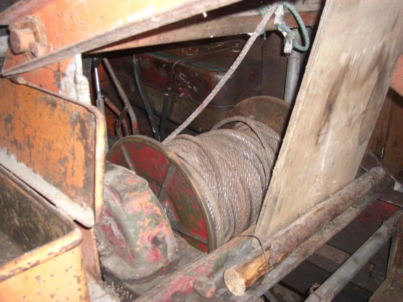 Drôle de tracteur forestier ! Cimg3315